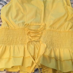 grass collection Tops - Super cute yellow blouse! 😍 S/M size fit